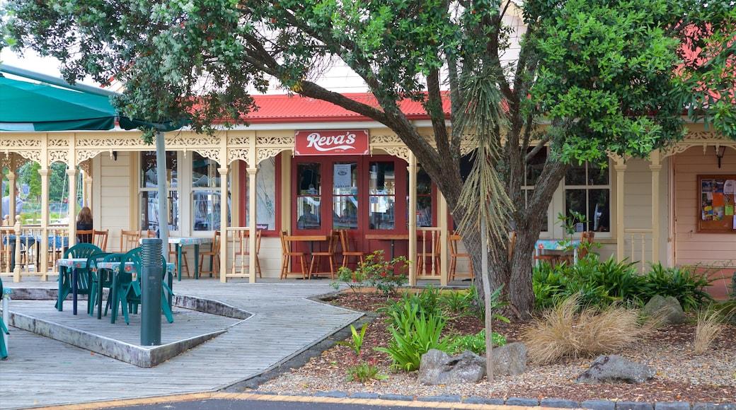 Whangarei featuring café lifestyle