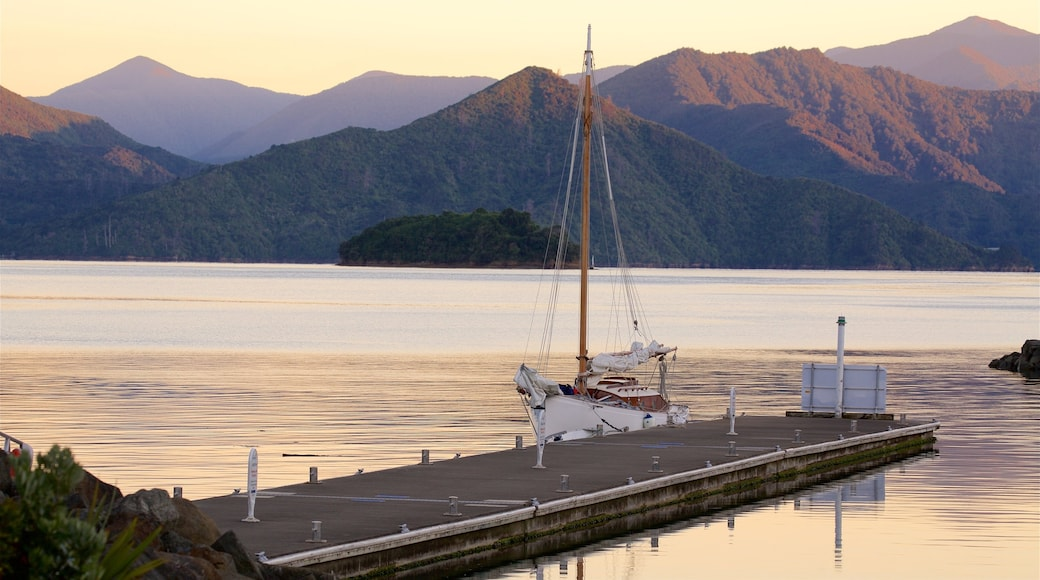 Picton which includes sailing, mountains and a sunset