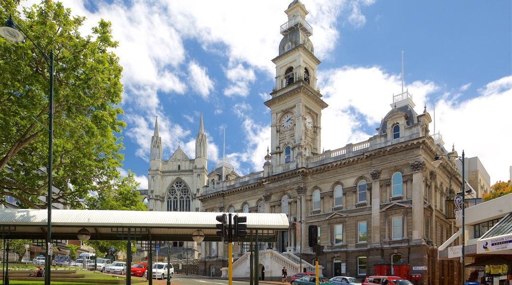 Dunedin Town Hall featuring an administrative building and heritage architecture