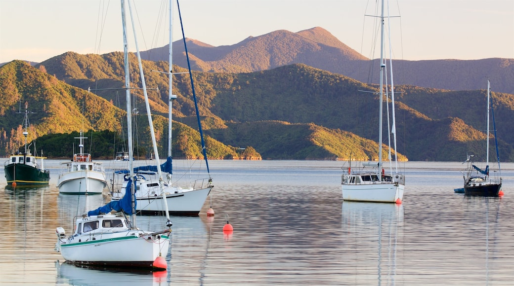 Picton showing mountains, a bay or harbour and sailing