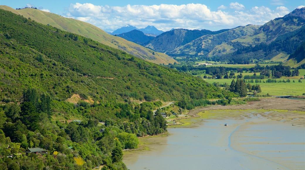 Havelock qui includes lac ou étang et scènes tranquilles