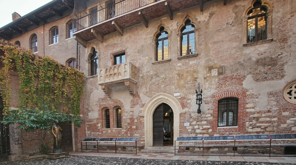 Juliet\'s House ซึ่งรวมถึง มรดกทางสถาปัตยกรรม