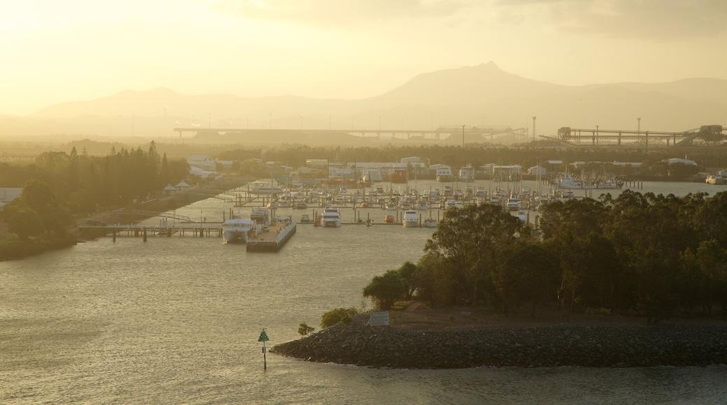 格拉德斯通 呈现出 夕陽 和 小港灣