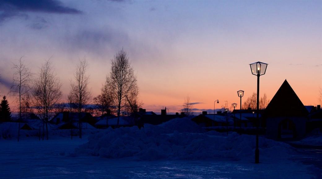 Gammelstads kyrka som visar en solnedgång