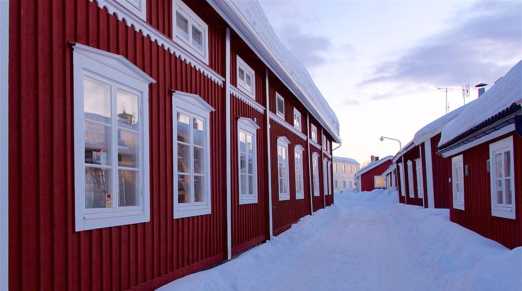 Gammelstads kyrka presenterar snö