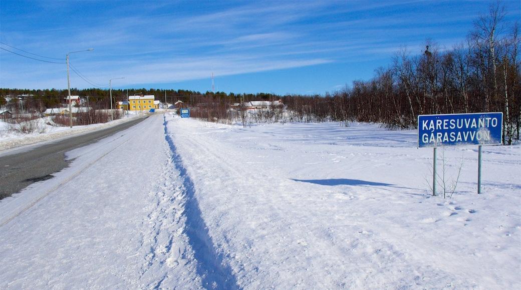 Karesuando presenterar snö, skyltar och stillsam natur