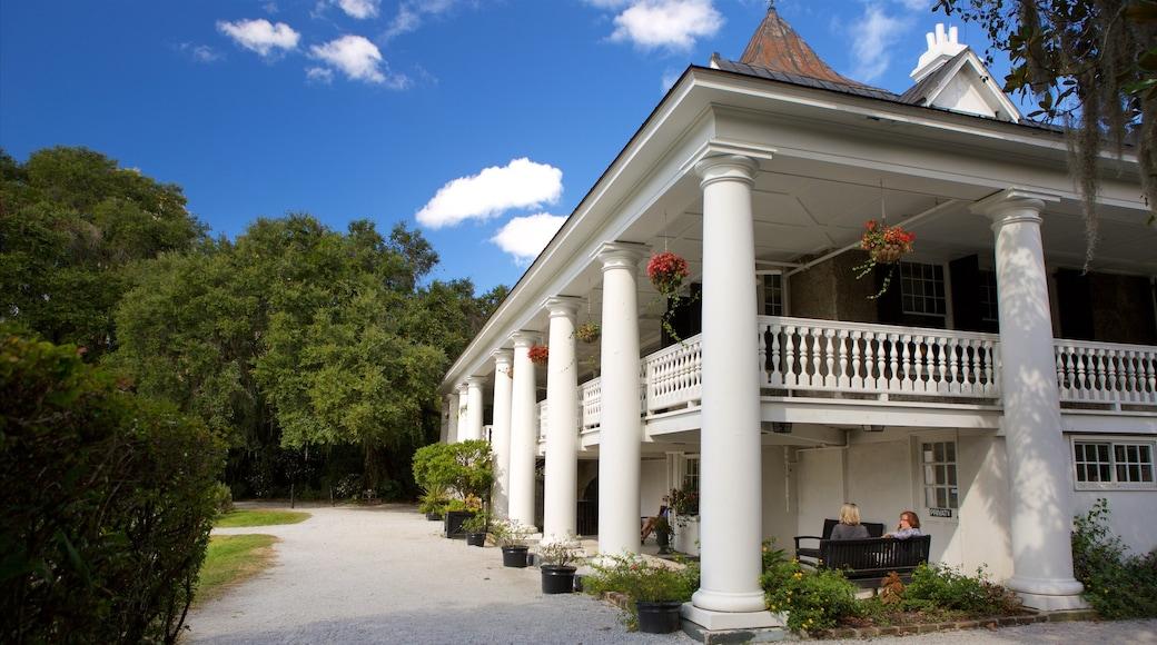 Magnolia Plantation and Gardens caracterizando uma casa e elementos de patrimônio