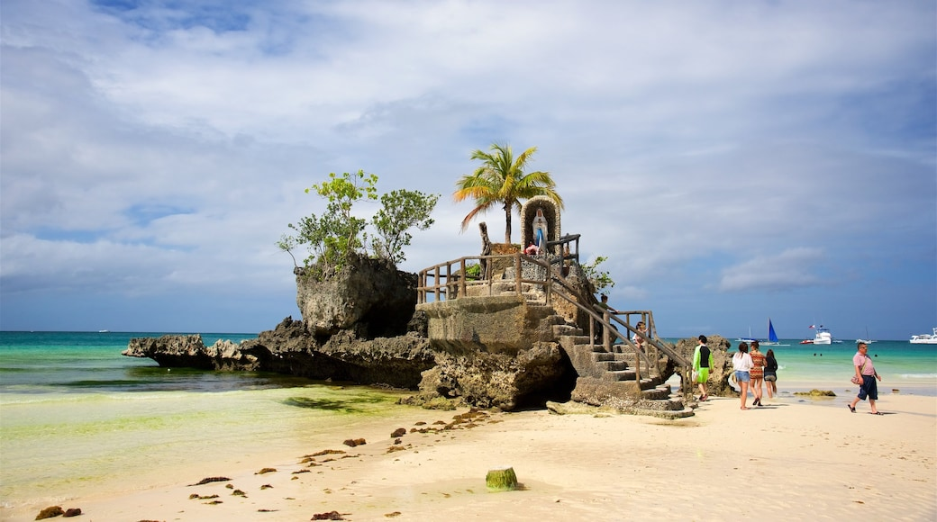 Visayan Islands showing tropical scenes, island images and a sandy beach