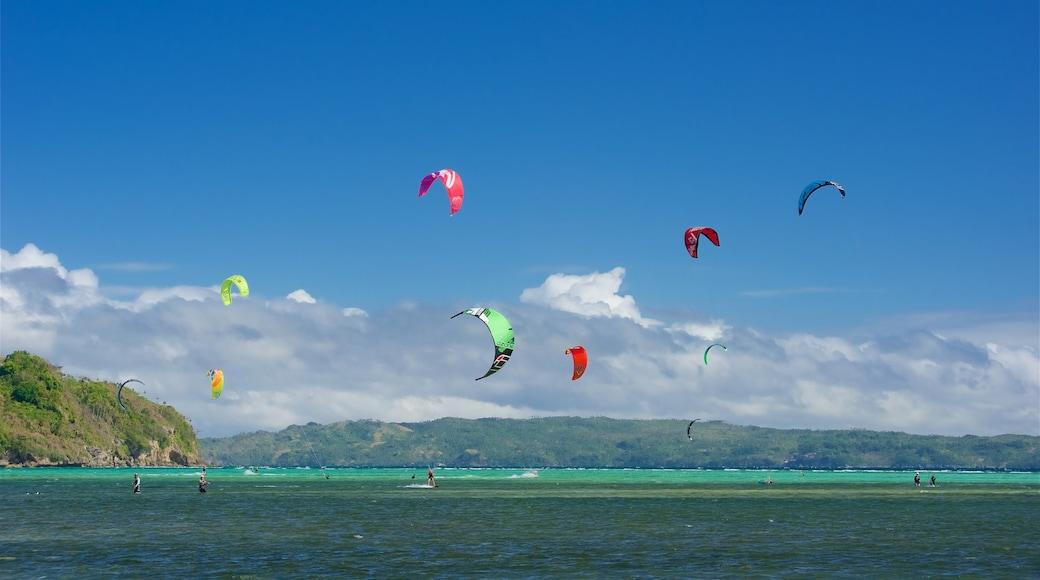 Aklan featuring general coastal views, tropical scenes and island views