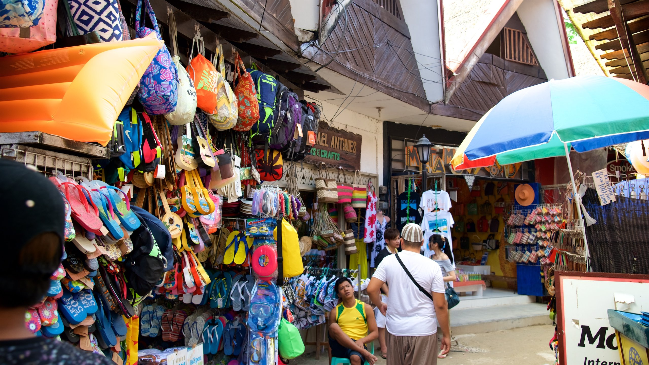Browse the eclectic range of items displayed in the quaint wooden market stalls and visit a charming park and a climbing arena.