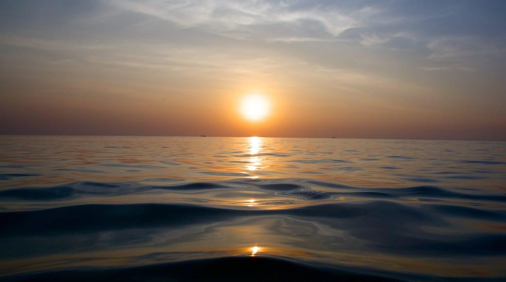富國島 设有 夕陽 和 綜覽海岸風景