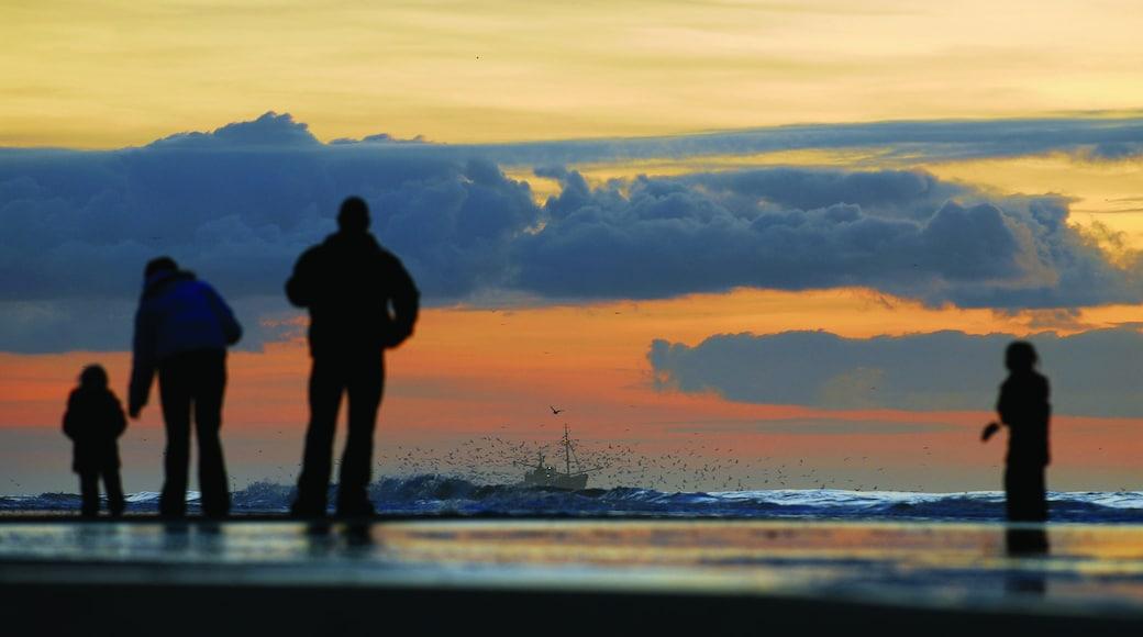 Zandvoort inclusief een zonsondergang en ook een klein groepje mensen