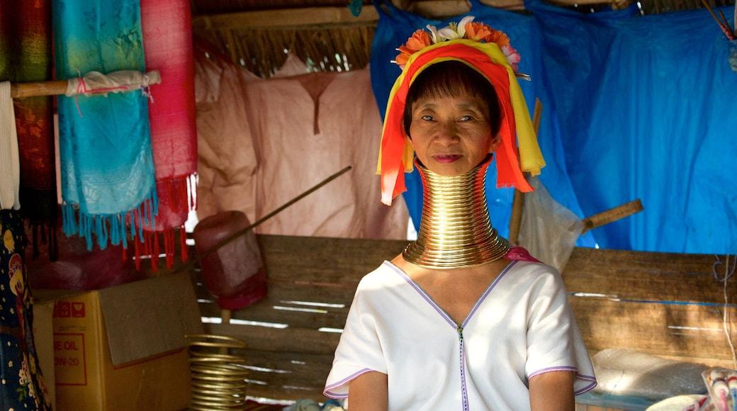 치앙마이 을 보여주는 토착 문화 뿐만 아니라 여자