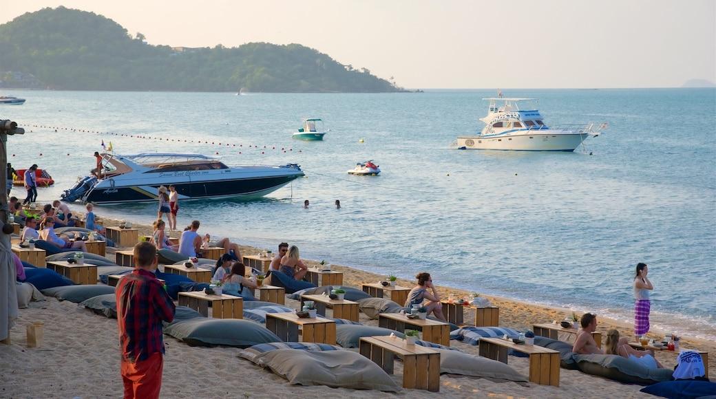 Bo Phut Beach bevat varen, een zonsondergang en een baai of haven