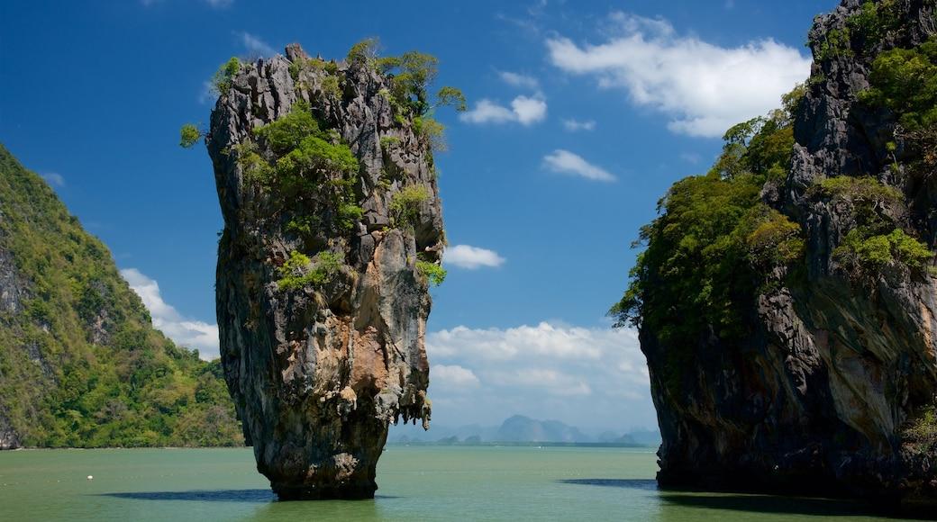 พังงา ซึ่งรวมถึง ชายฝั่งหิน และ อ่าวหรือท่าเรือ
