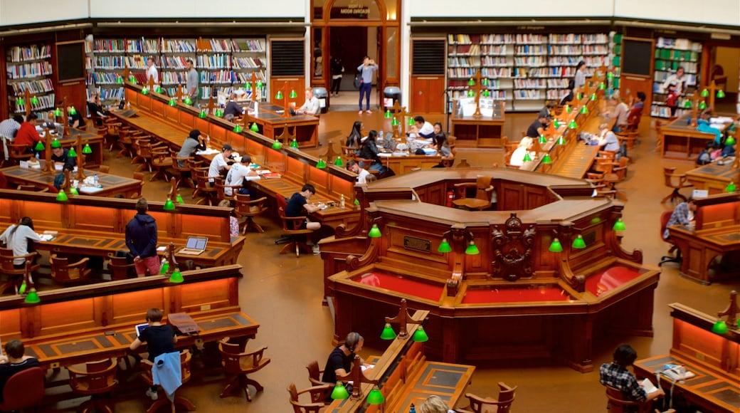 State Library of Victoria que inclui um edifício administrativo, vistas internas e arquitetura de patrimônio