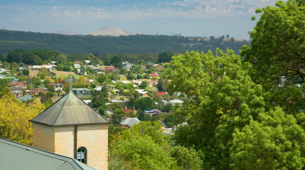 Daylesford featuring a small town or village