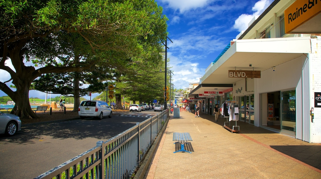 Terrigal showing street scenes