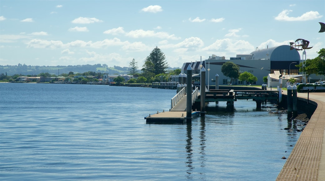 Ballina featuring a bay or harbour