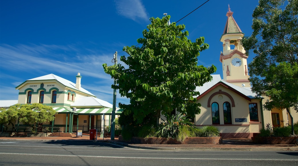 Ballina featuring street scenes and an administrative building