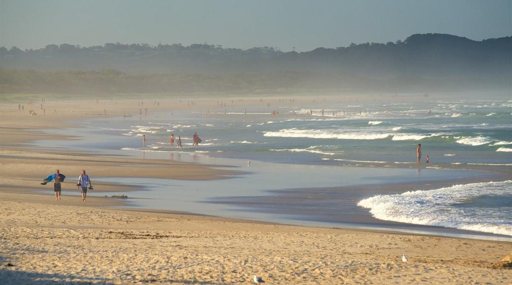 Lennox Head mostrando una playa de arena