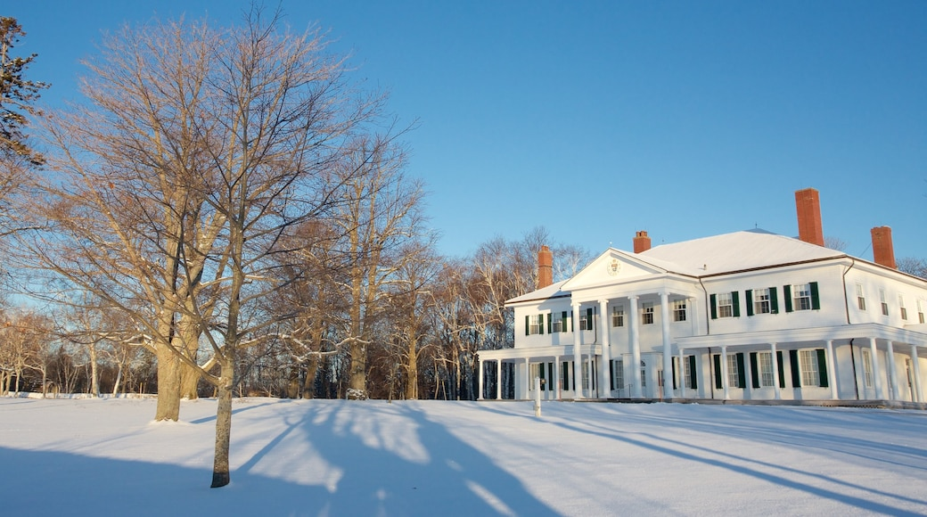 Government House de l\'Île-du-Prince-Édouard montrant neige