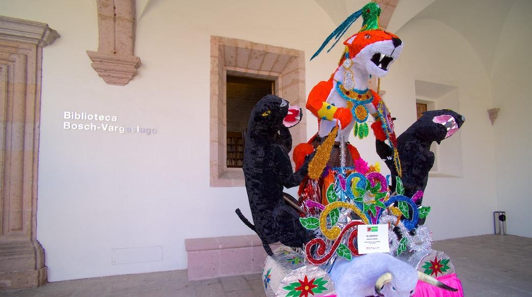 México que inclui sinalização e arte ao ar livre