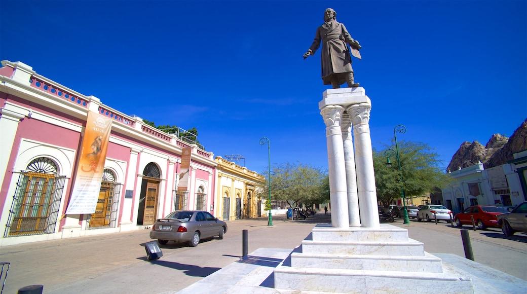 Mexiko mit einem Statue oder Skulptur und Straßenszenen