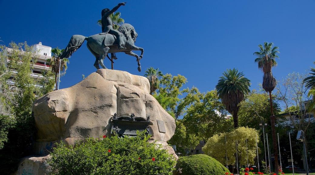 San Martin Square which includes a statue or sculpture