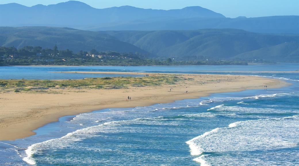 Plettenberg Bay mit einem allgemeine Küstenansicht, ruhige Szenerie und Strand