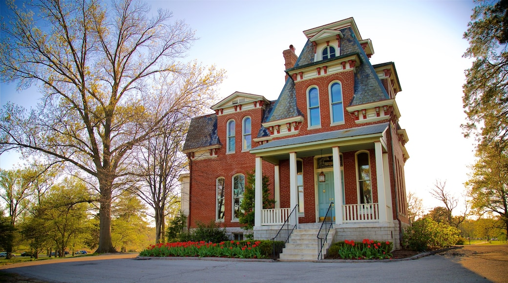 Forest Park which includes heritage architecture and a house