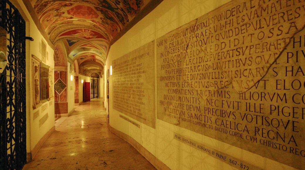 Basilique Saint-Pierre qui includes église ou cathédrale, aspects religieux et vues intérieures