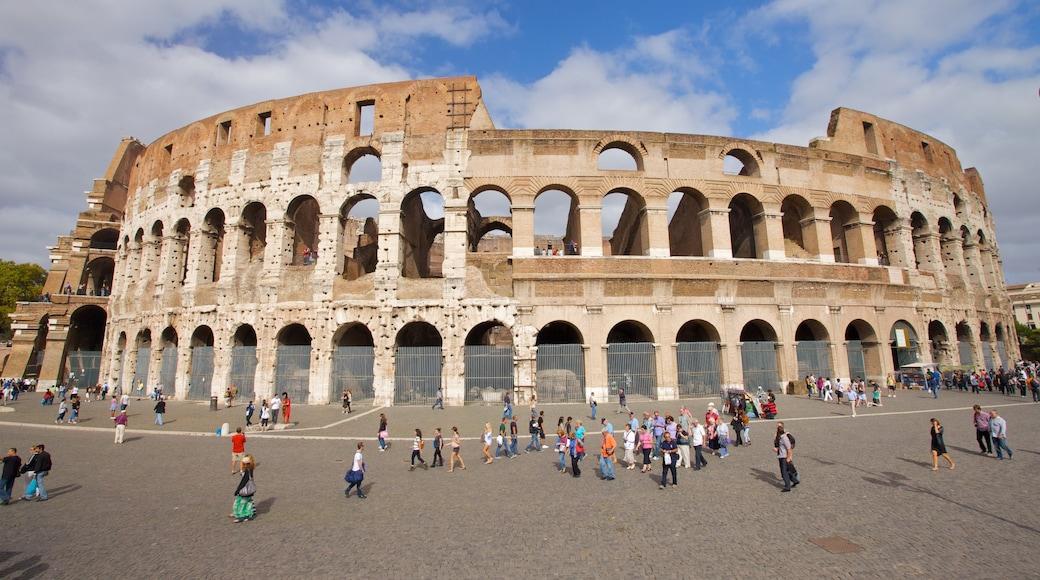 Colosseo som viser monument, ruiner og historisk arkitektur