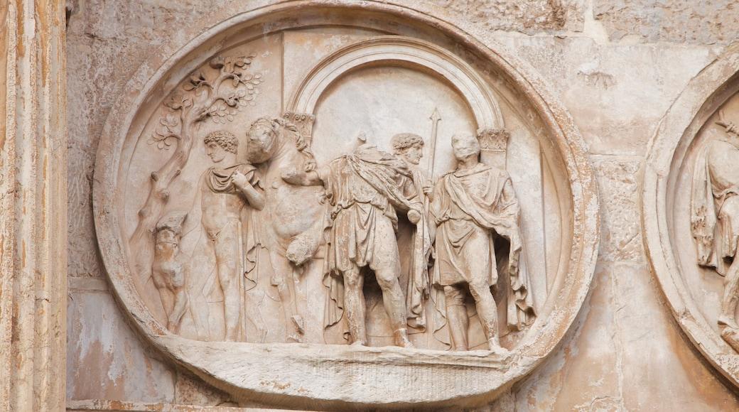Colosseo som viser historisk arkitektur