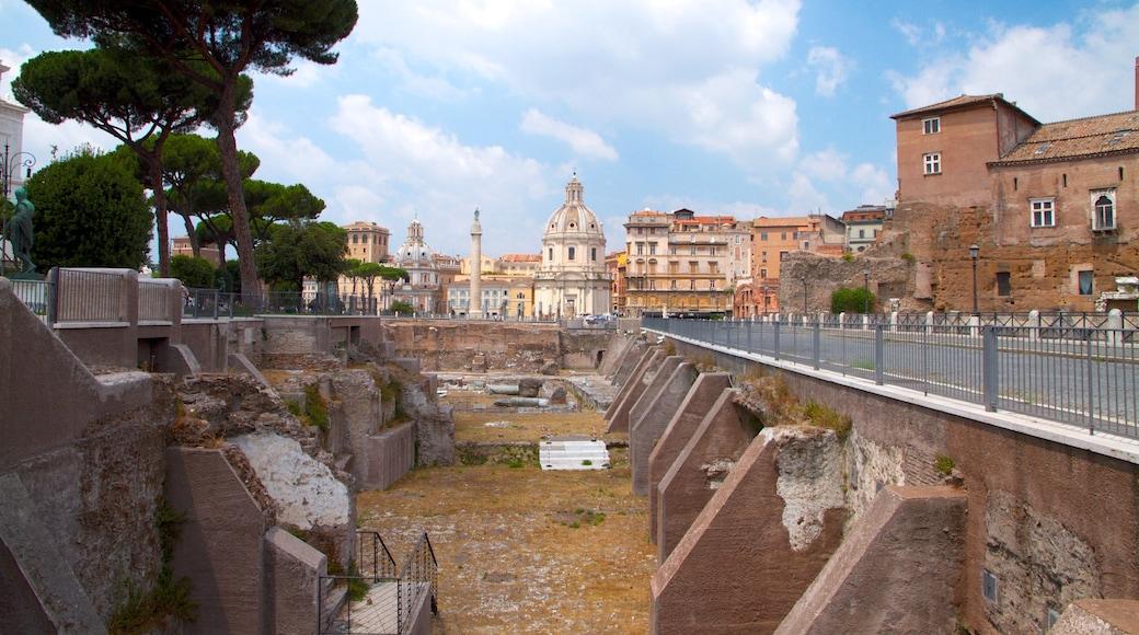 Piazza Venezia qui includes bâtiments en ruines, patrimoine architectural et ville