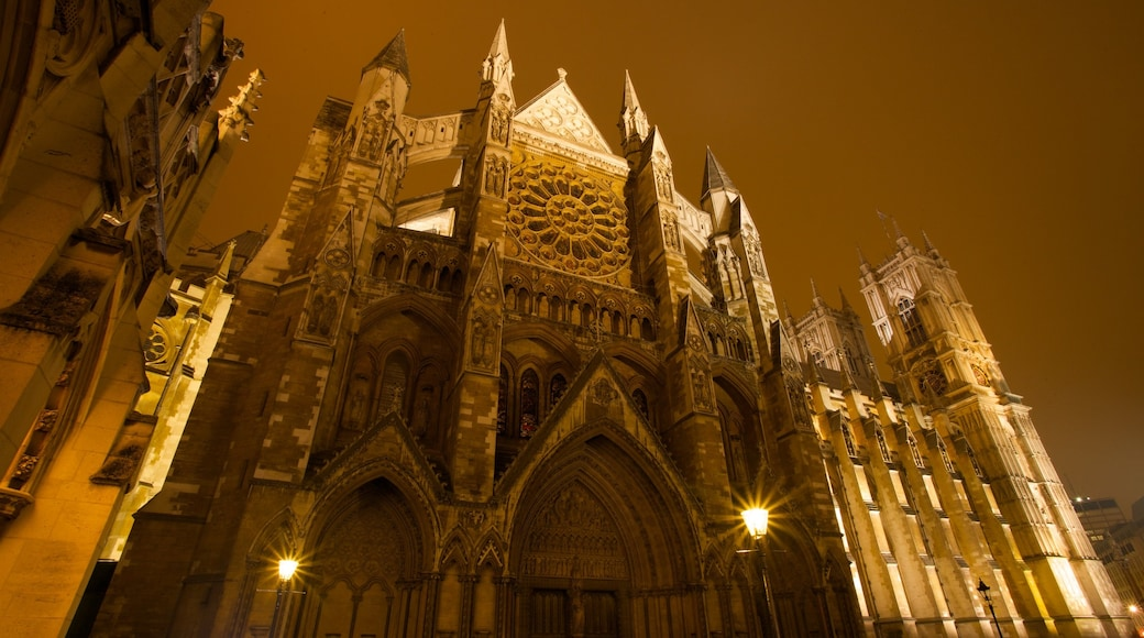 Westminster Abbey mit einem Kirche oder Kathedrale, religiöse Aspekte und bei Nacht
