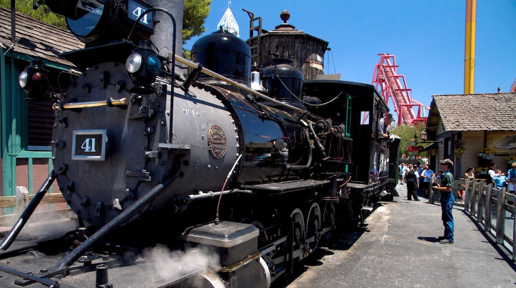 Knott\'s Berry Farm featuring rides and railway items