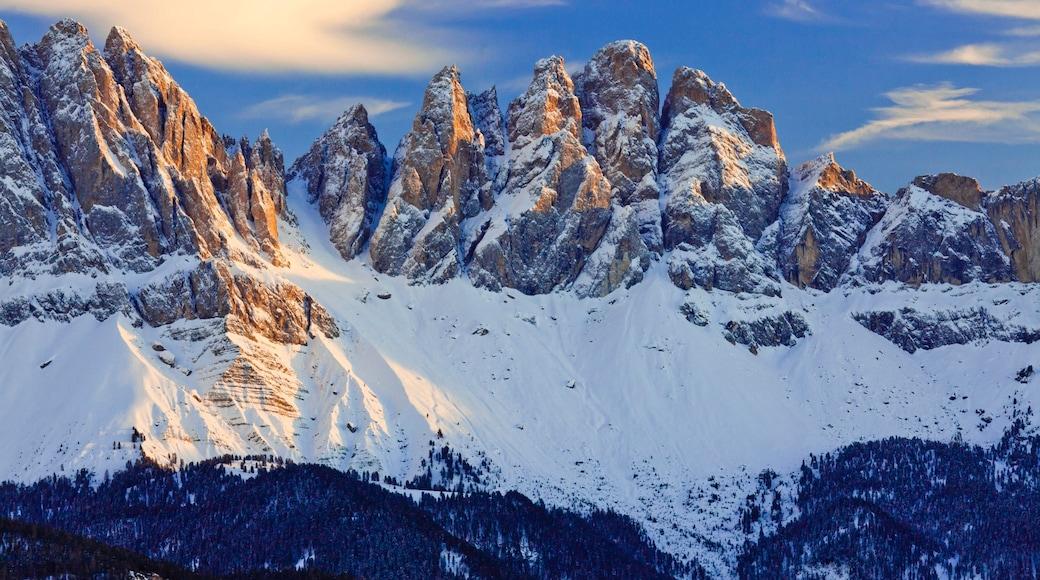 Brixen welches beinhaltet Schnee, Berge und ruhige Szenerie