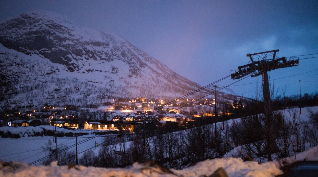 Hovden which includes night scenes, mountains and snow