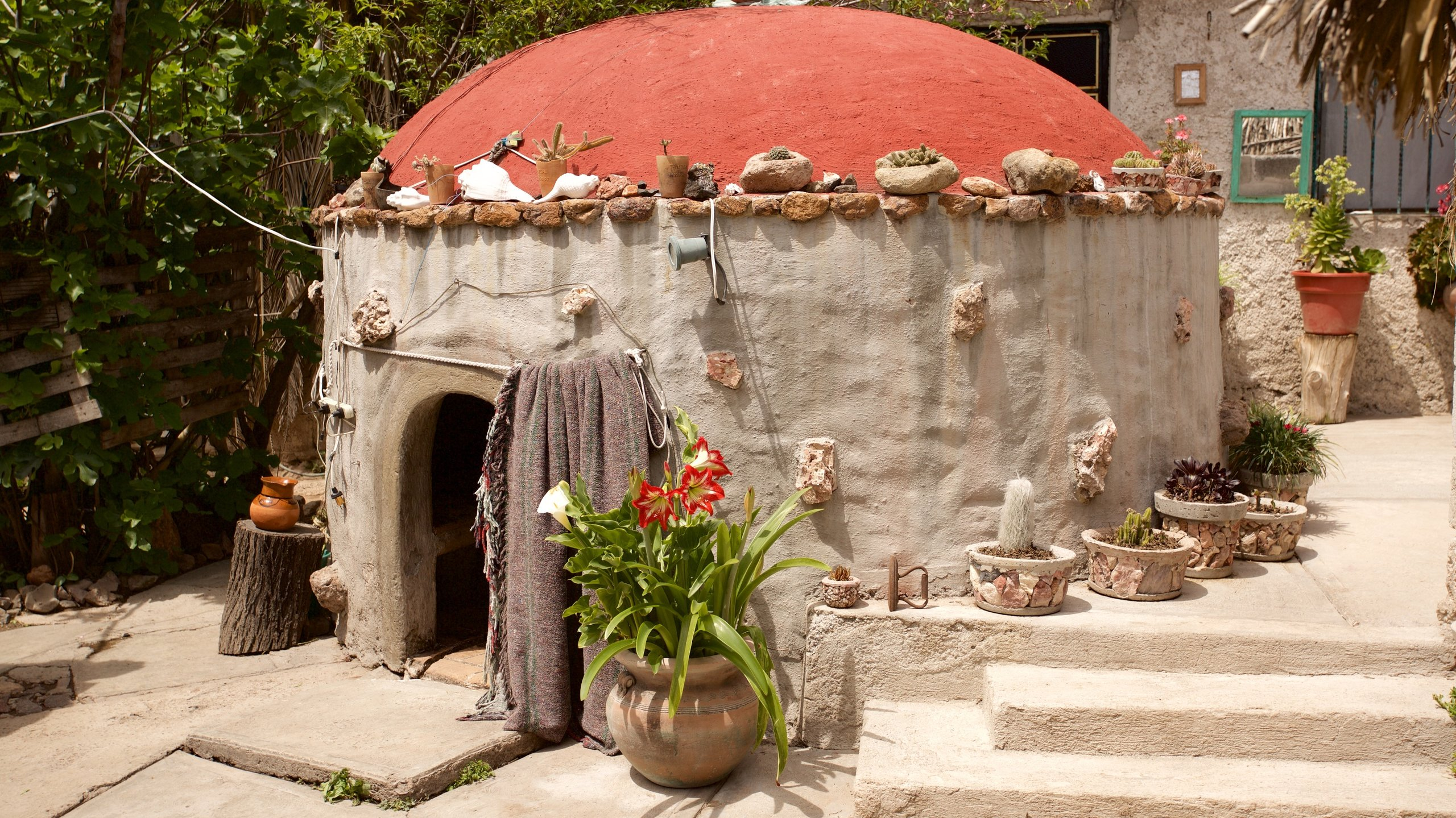 You can take time to visit Temazcal Tonatiu Iquzayampa during your travels to Tequisquiapan. Make time to visit the spas and monuments while you're in the area.