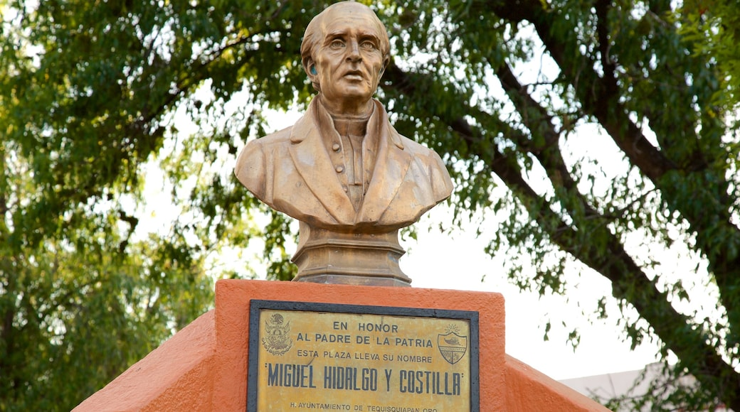 Plaza Miguel Hidalgo which includes a statue or sculpture