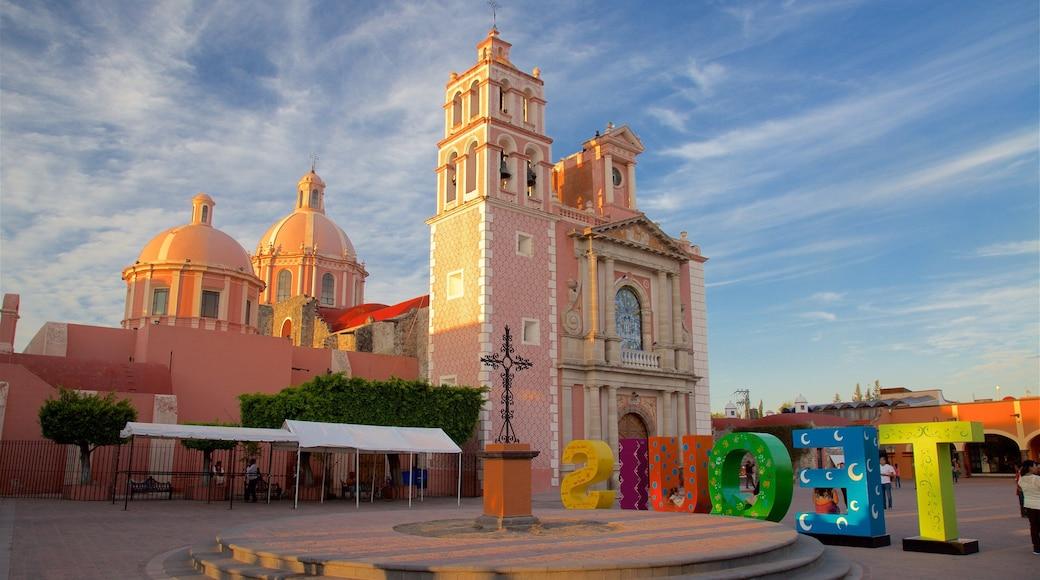 México mostrando un parque o plaza, elementos del patrimonio y arte al aire libre
