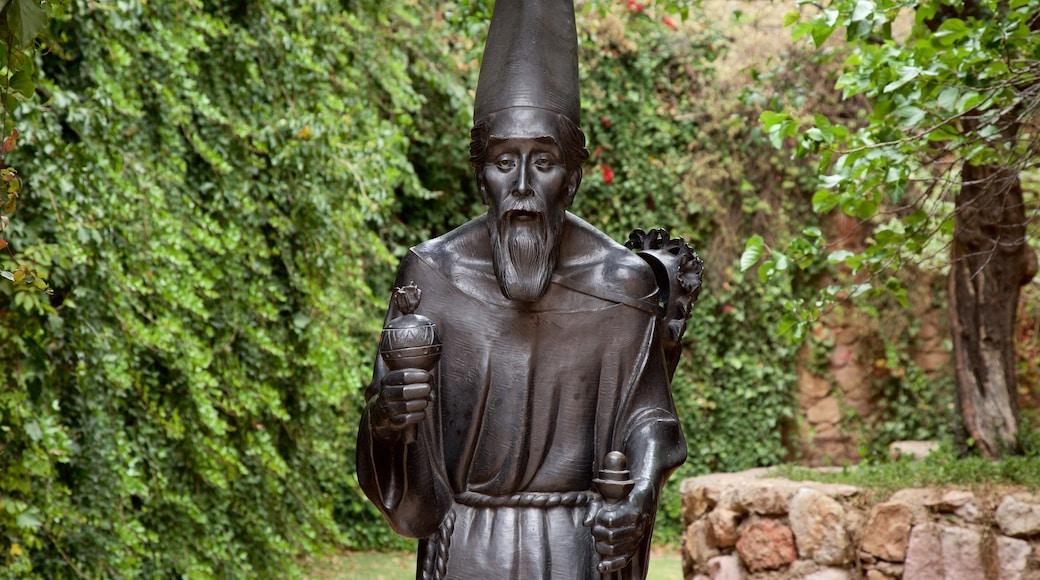 Zacatecas mostrando una estatua o escultura
