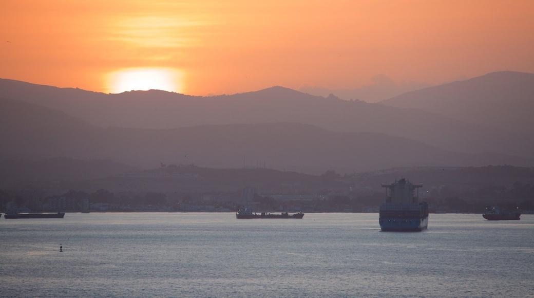 直布羅陀 设有 綜覽海岸風景, 夕陽 和 海灣或海港