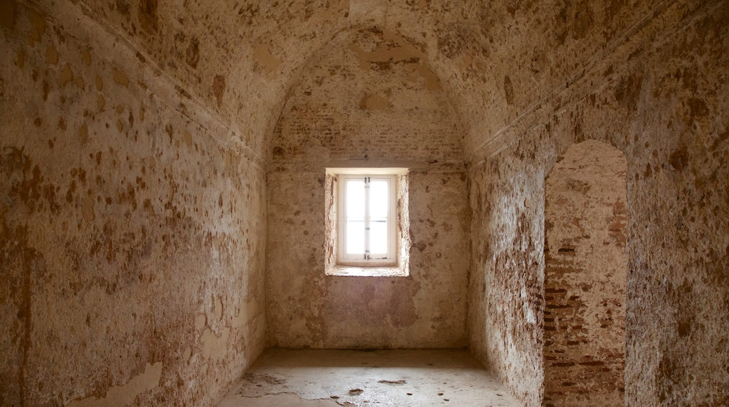 Moorish Castle showing interior views and heritage architecture