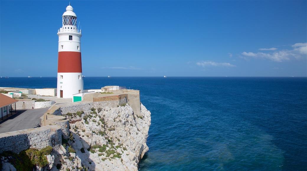歐洲角燈塔 其中包括 崎嶇的海岸線, 景觀 和 綜覽海岸風景