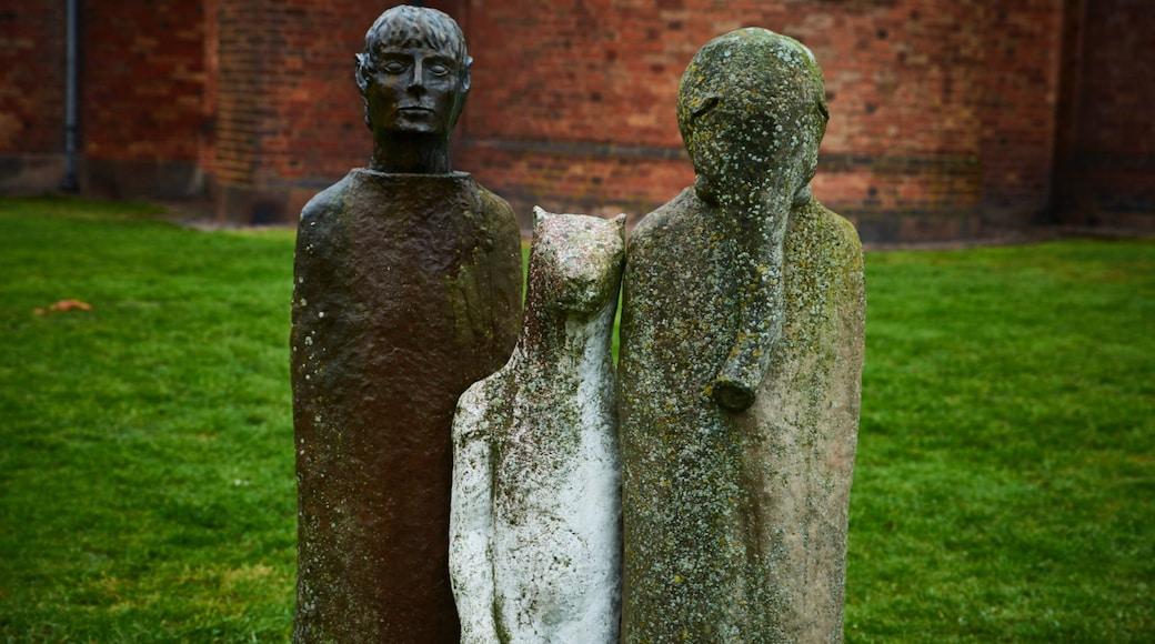 Ringsted og byder på en statue eller en skulptur