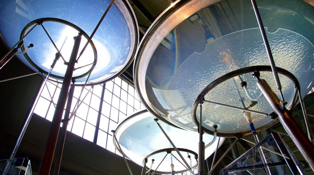 Exploratorium welches beinhaltet Innenansichten