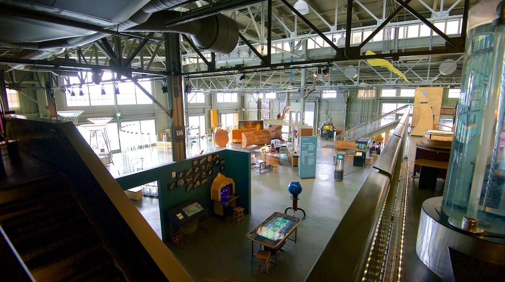 Exploratorium das einen Innenansichten und industrielle Elemente