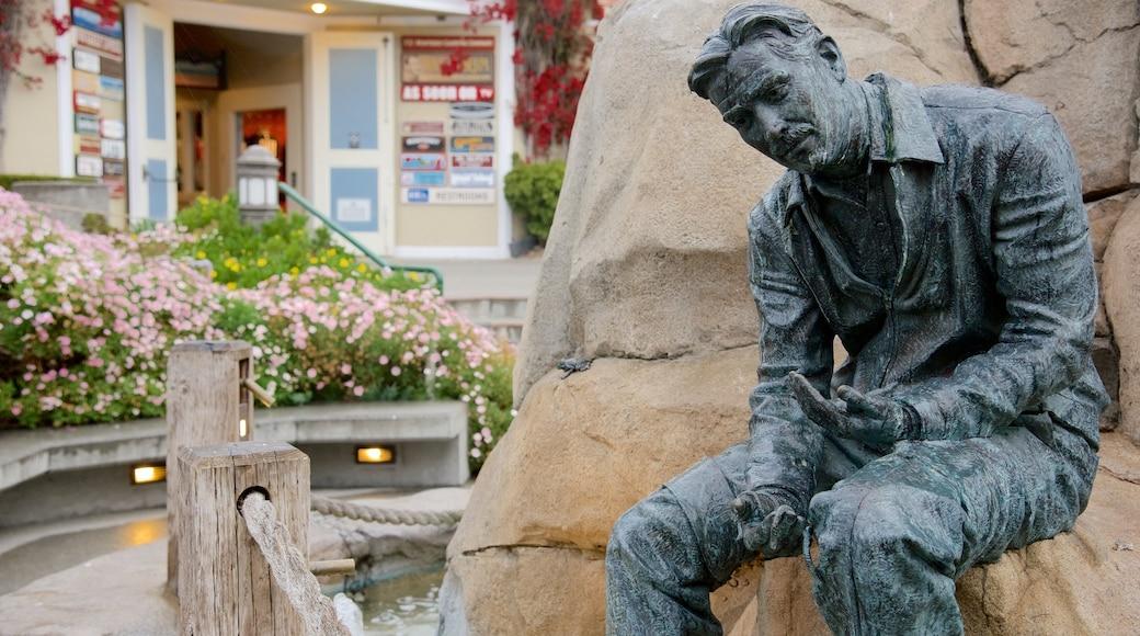 Cannery Row mostrando uma estátua ou escultura